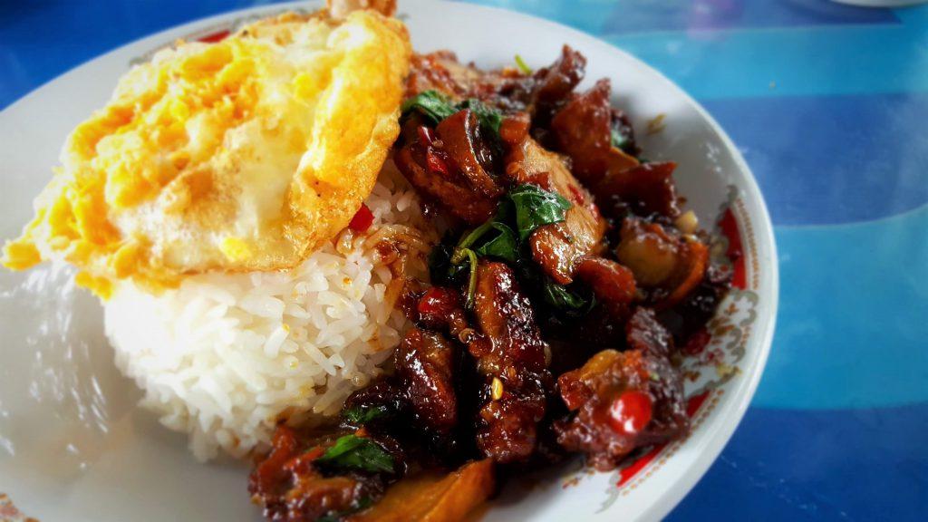 Thais wokgerecht met ei